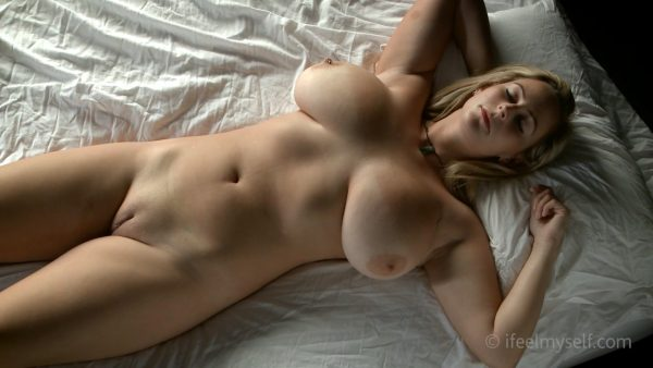Mature and young lesbians emily dildo